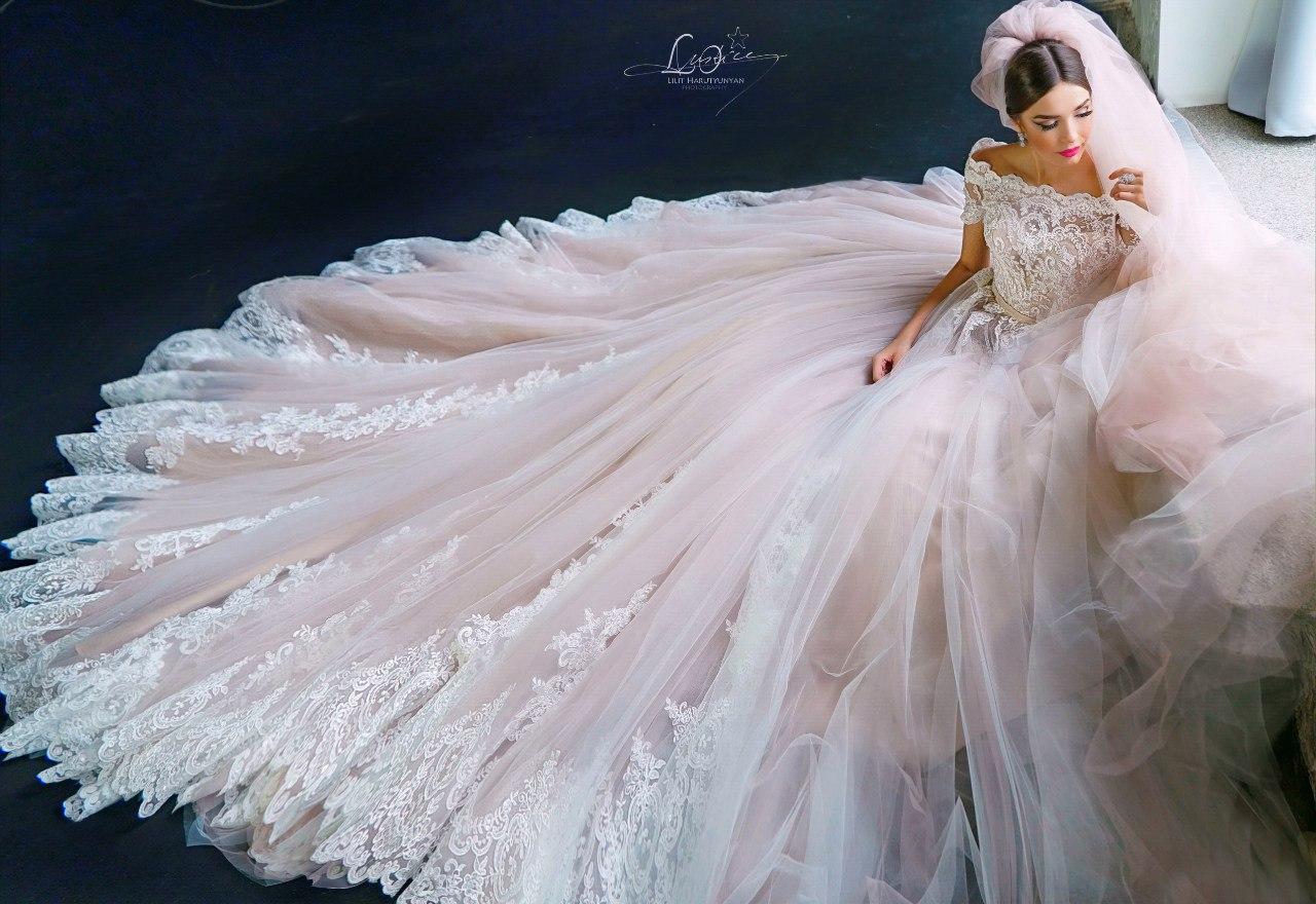 Невероятно пышное платье