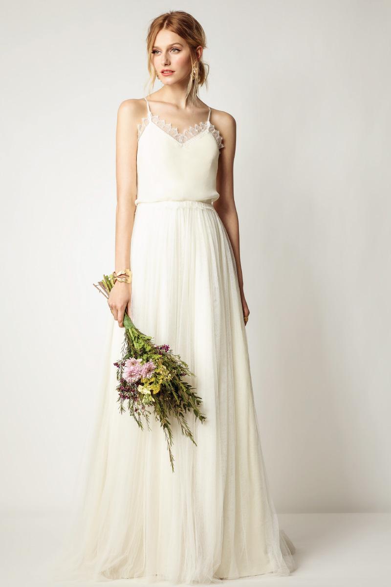 Нежное и воздушное летнее свадебное платье