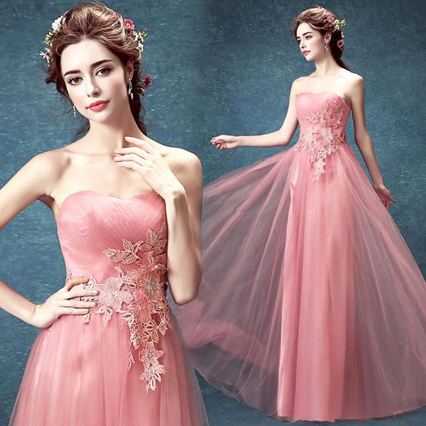 Образ невесты для розового свадебного платья