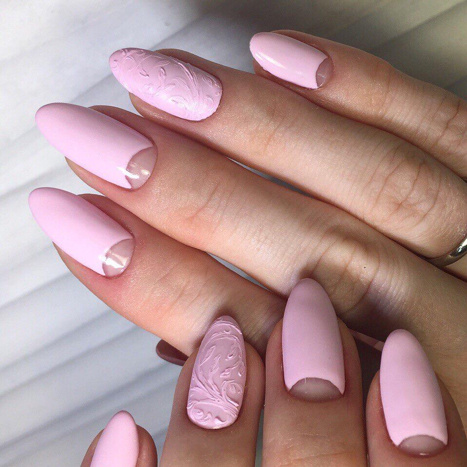 Острые розовые ногти