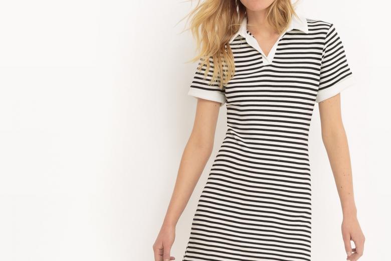 Платье двухцветное с рисунком в полоску и воротником-поло