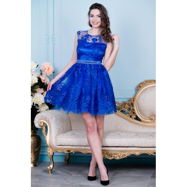 Платье из атласа и гипюра