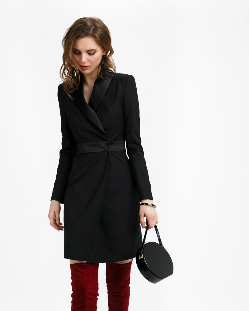 Платье-пиджак с атласным воротником