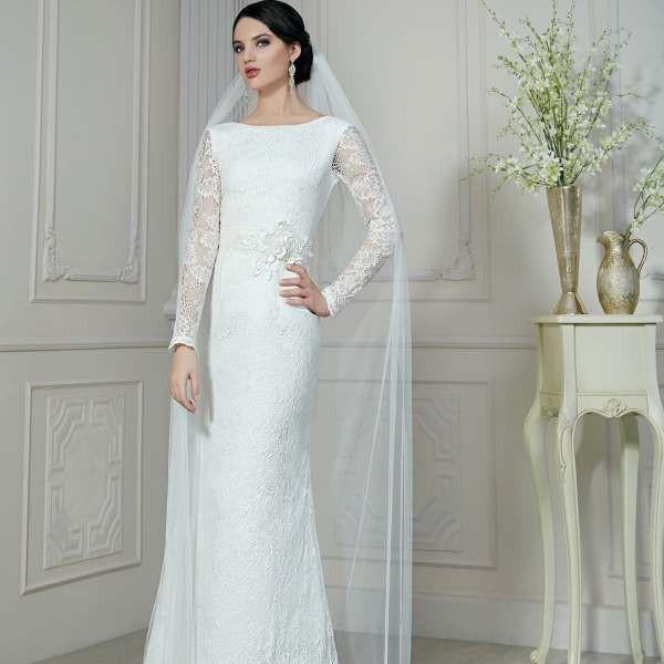 Платье с рукавами свадебное в белом цвете