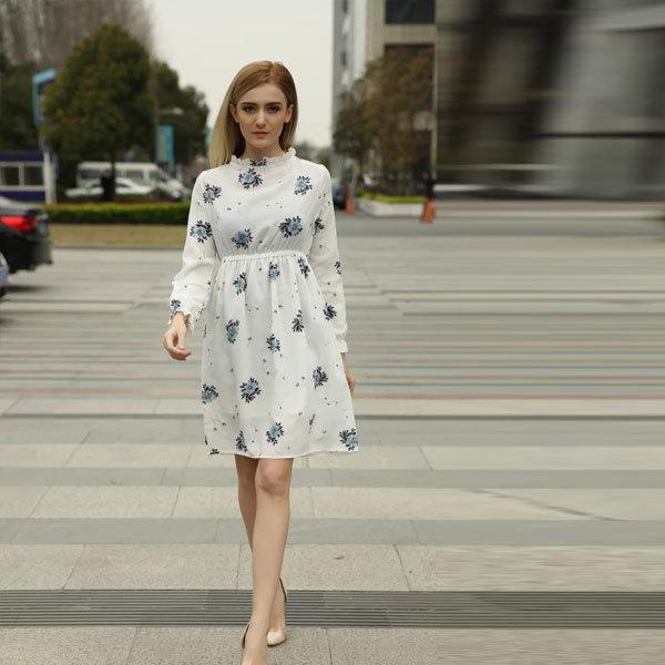 Платье трапеция с завышенной талией