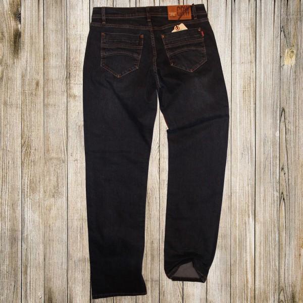 Приятный оттенок мужских джинсов