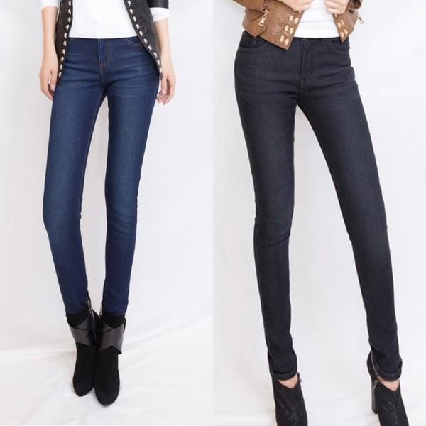 Прямые классические джинсы для современной девушки