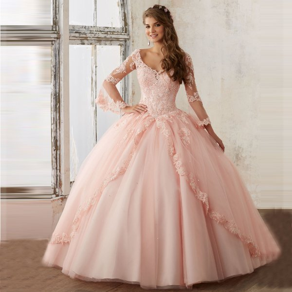 Пышное розовое свадебное платье с рукавами