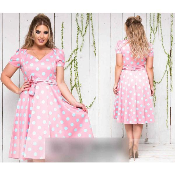 Розовый цвет женской одежды