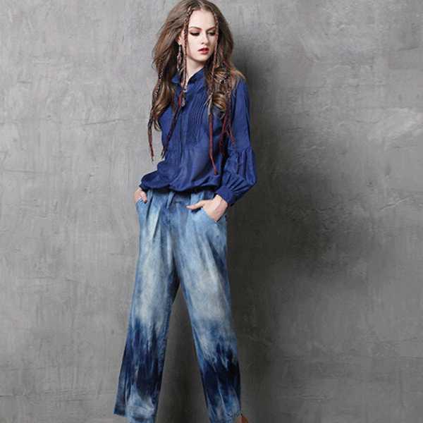 С чем надеть широкие современные джинсы