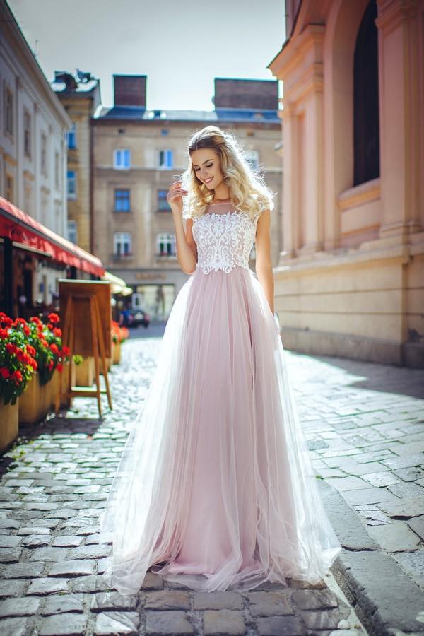 Шикарная коллекция платьев