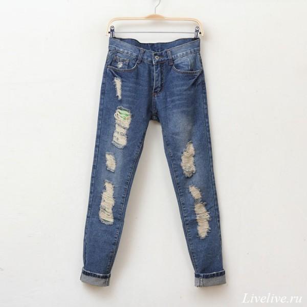 Широкий крой современных джинсов