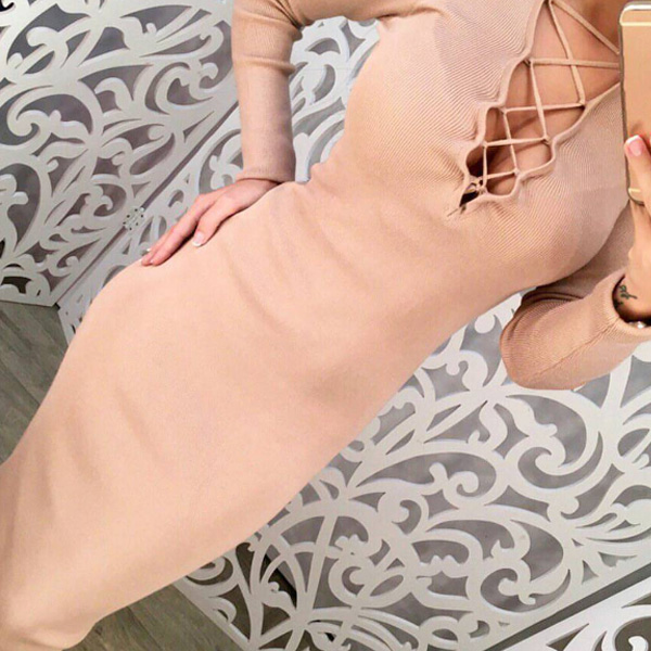 Шнуровка на платье в приятном цвете