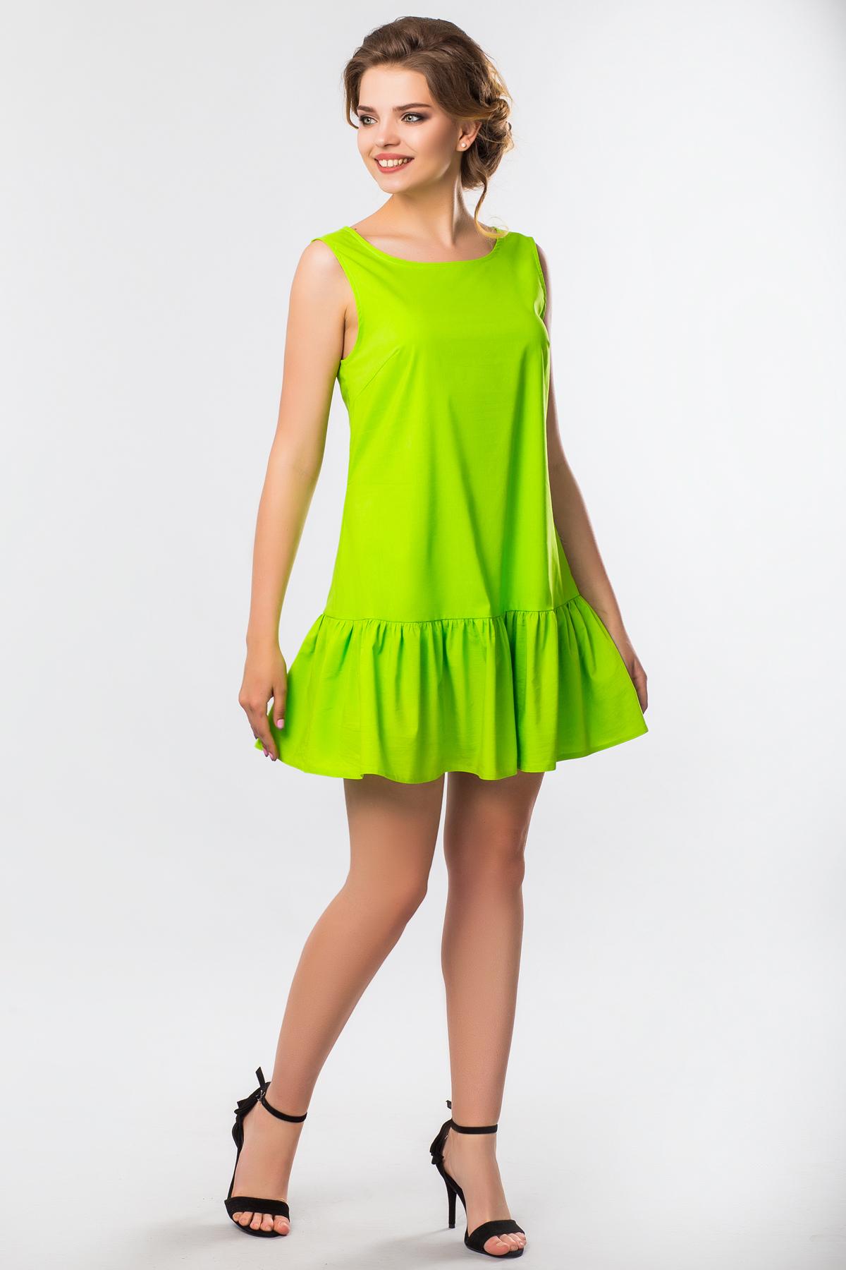 Салатовое платье с рюшами