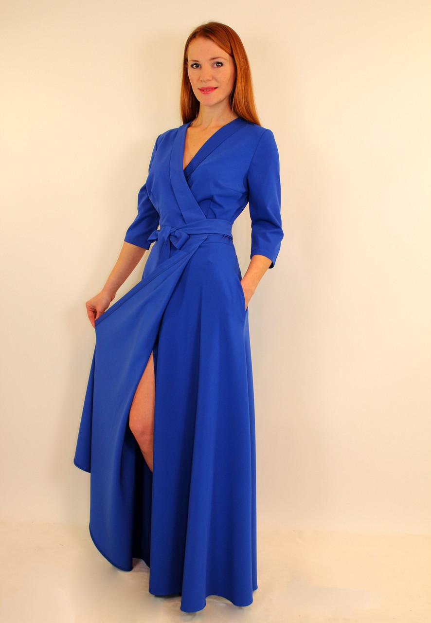 Синий цвет длинного платья
