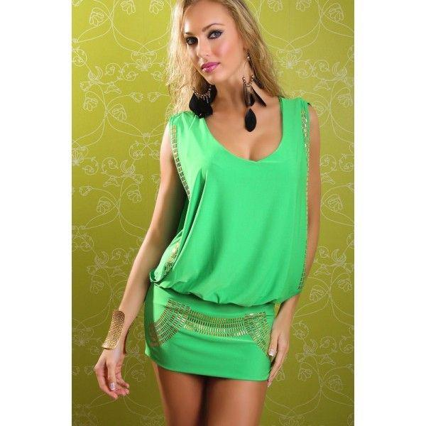 Соблазнительное зеленое платье