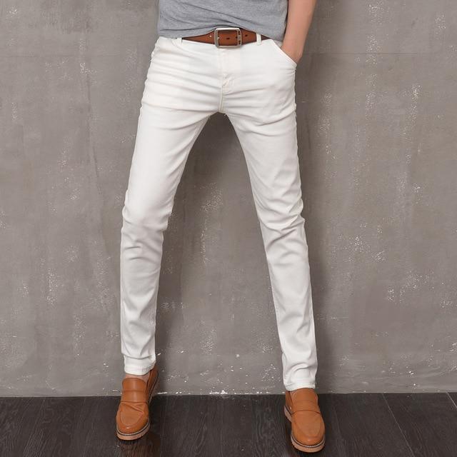 Современные белые обтягивающие джинсы для мужчин