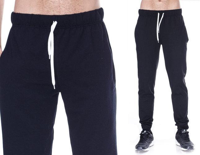 Спортивные штаны мужские трикотажные черные на резинке