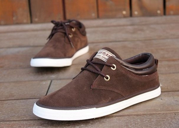 Стильная мужская обувь коричневого цвета
