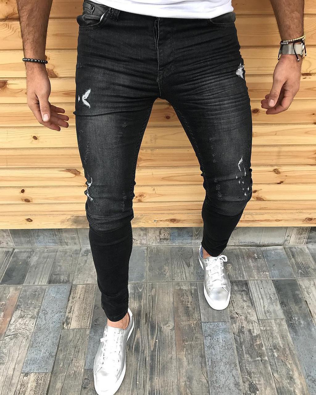 Стоит ли выбирать узкие джинсы для мужчины