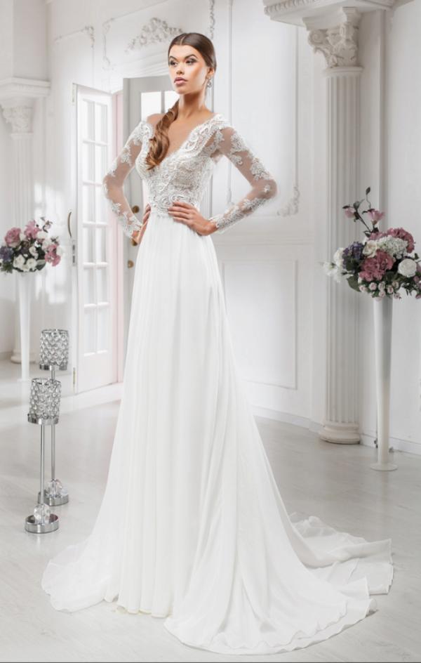 Свадебное платье прямое со шлейфом