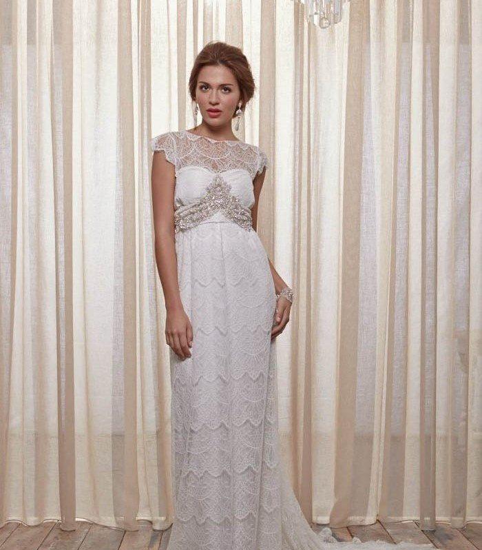 Свадебное платье в стиле рустик со стразами