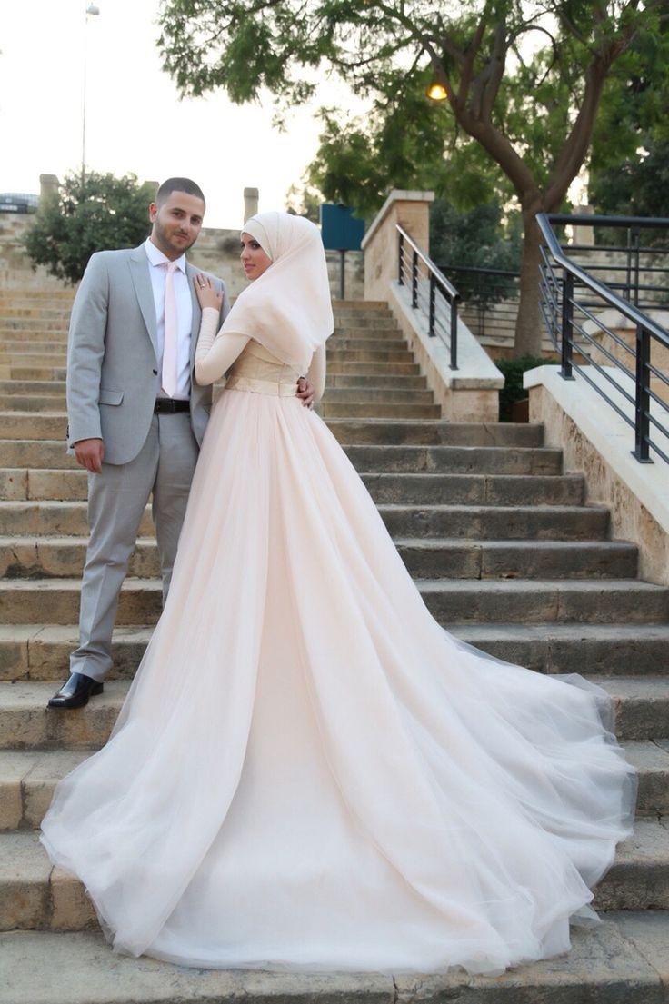 Свадебное пышное со шлейфом платье