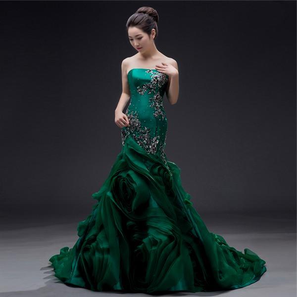 Свадебный наряд цвета зелень