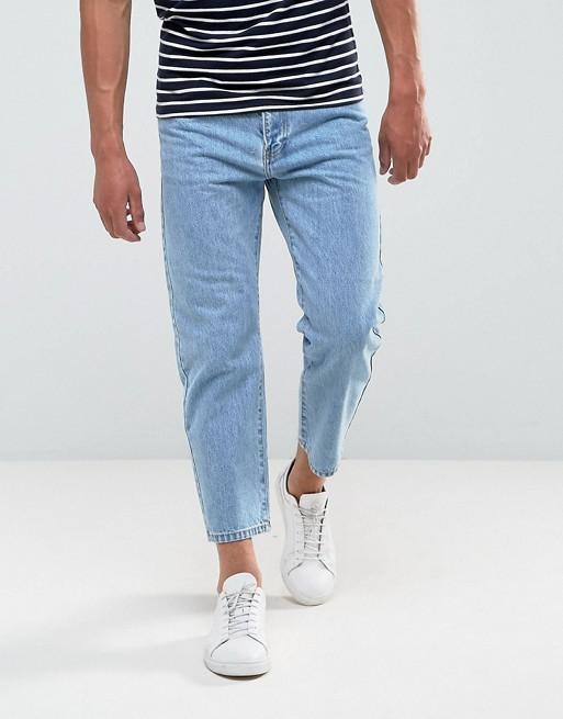 Светлые укороченные джинсы в стиле ретро