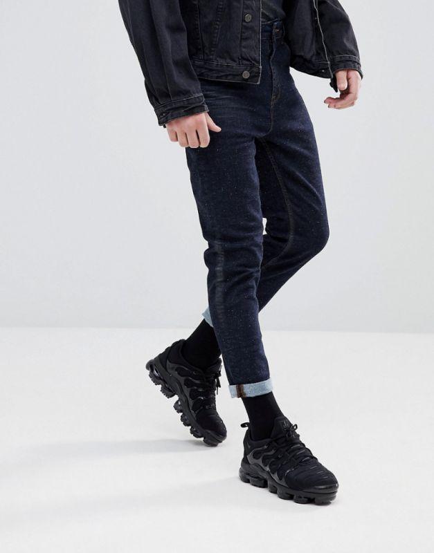 Темно-синий цвет мужской одежды