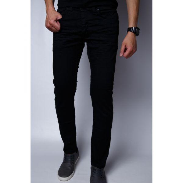 Темные оттенки одежды для мужчины