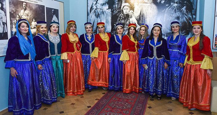 Традиционная одежда азербайджанцев
