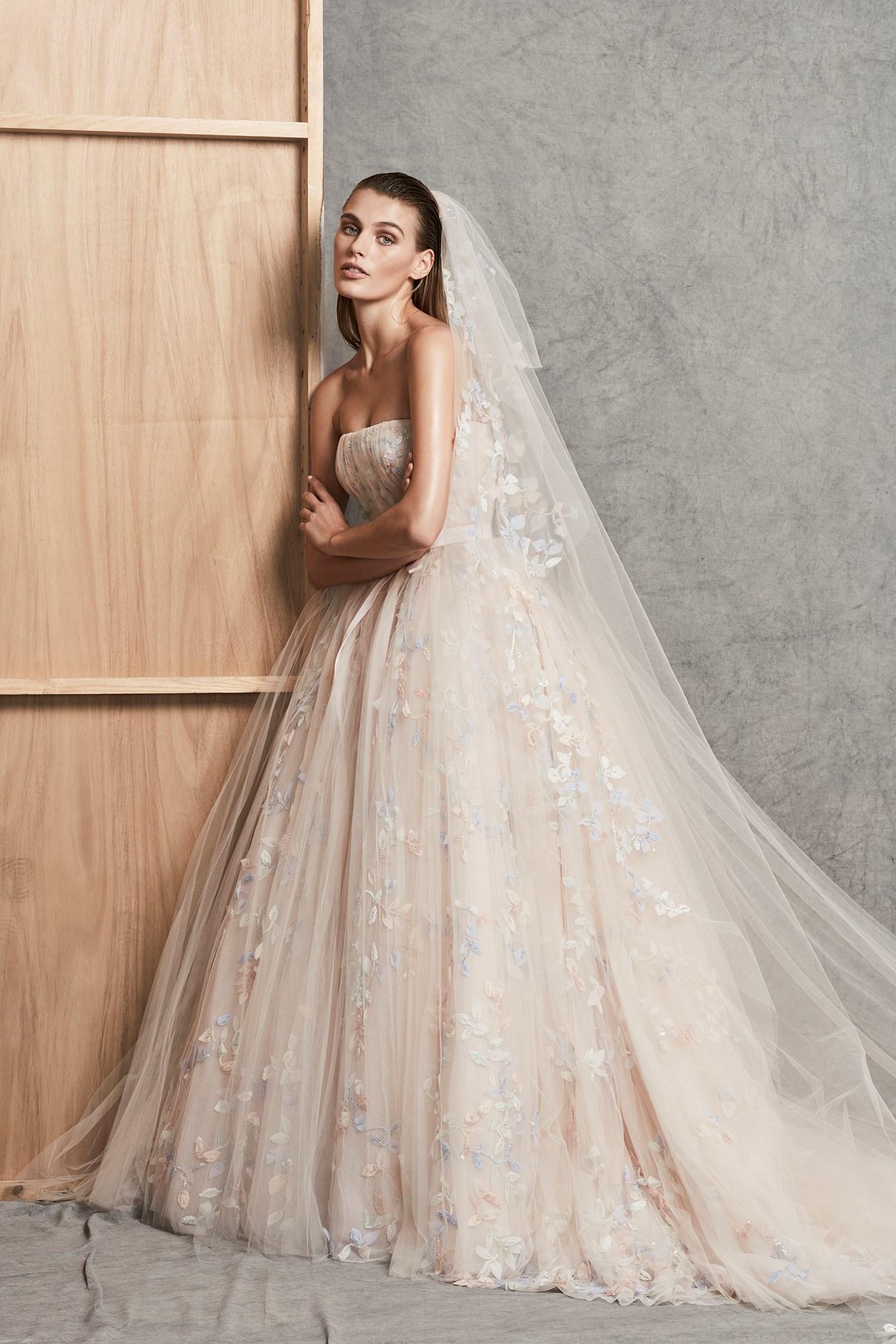 Тренды великолепных свадебных платьев