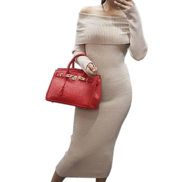 Трикотажное платье-лапша с отворотом в бежевом оттенке