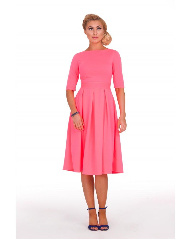 Трикотажное платье миди розовое