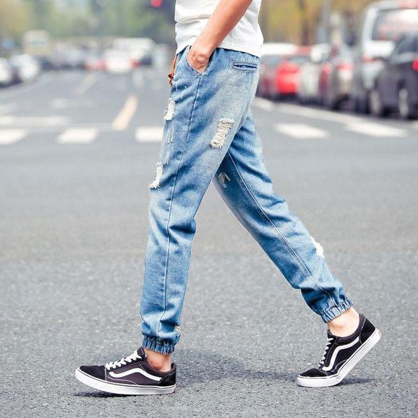 Удобные джинсы светлых тонов