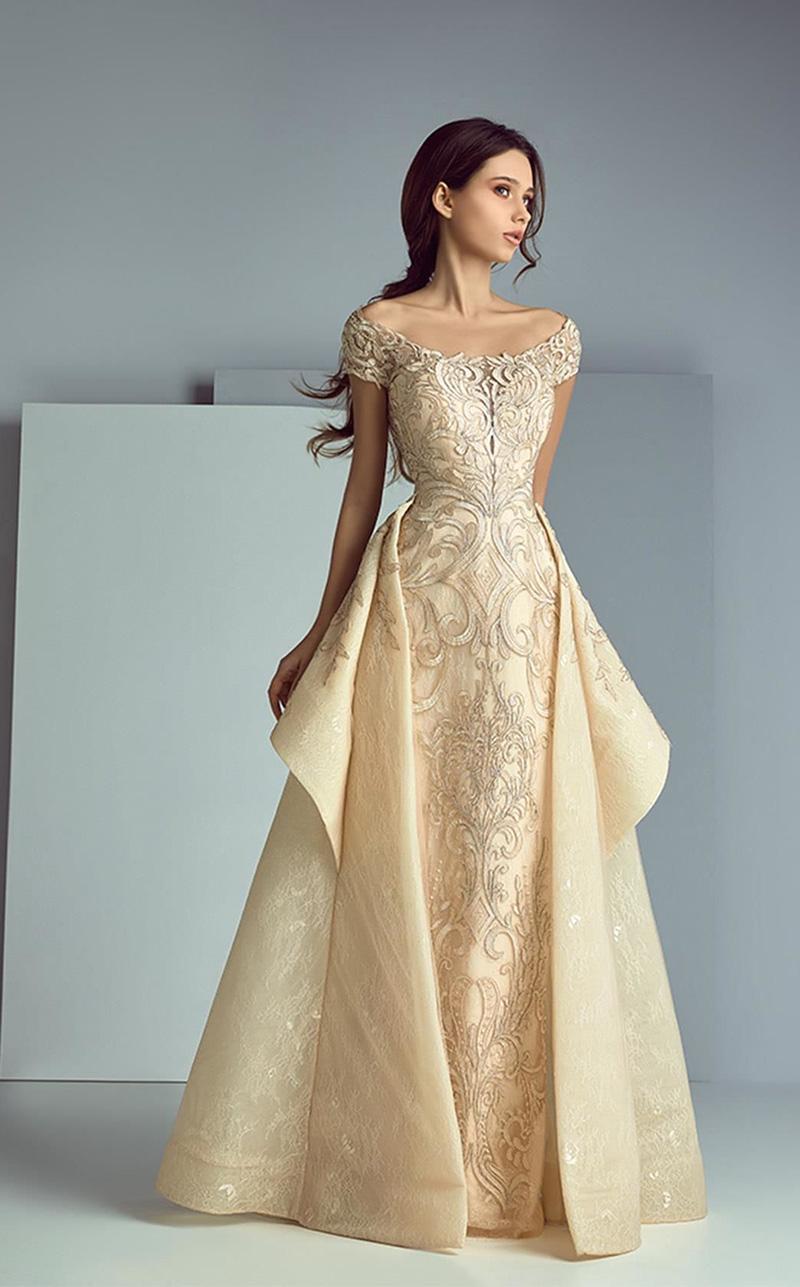 Вечерние платья должны гармонировать с фигурой