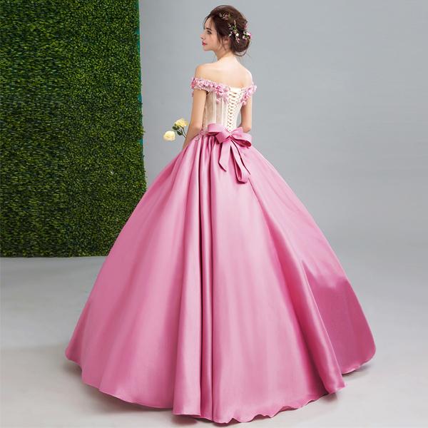 Вечерний наряд в розовом цвете