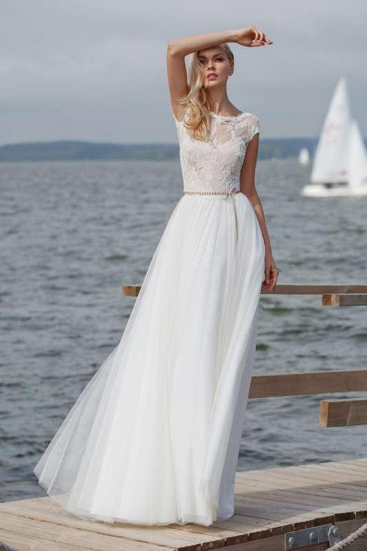 Верх платья с круглым вырезом