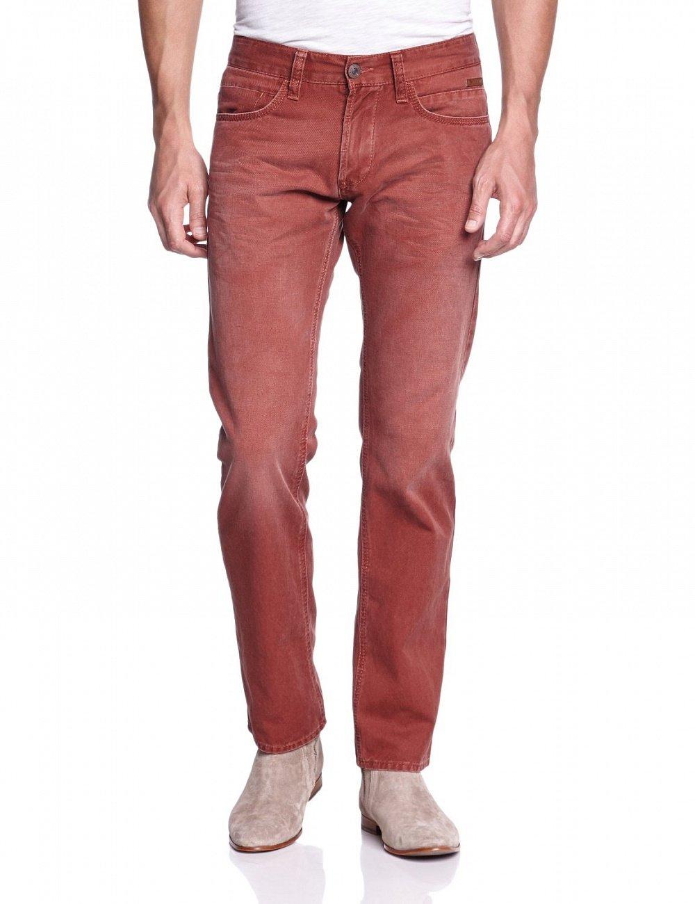 Выбеленные штаны красного цвета