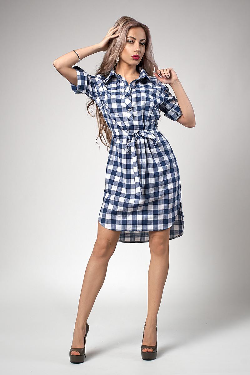 Женское платье-рубашка в синюю клетку