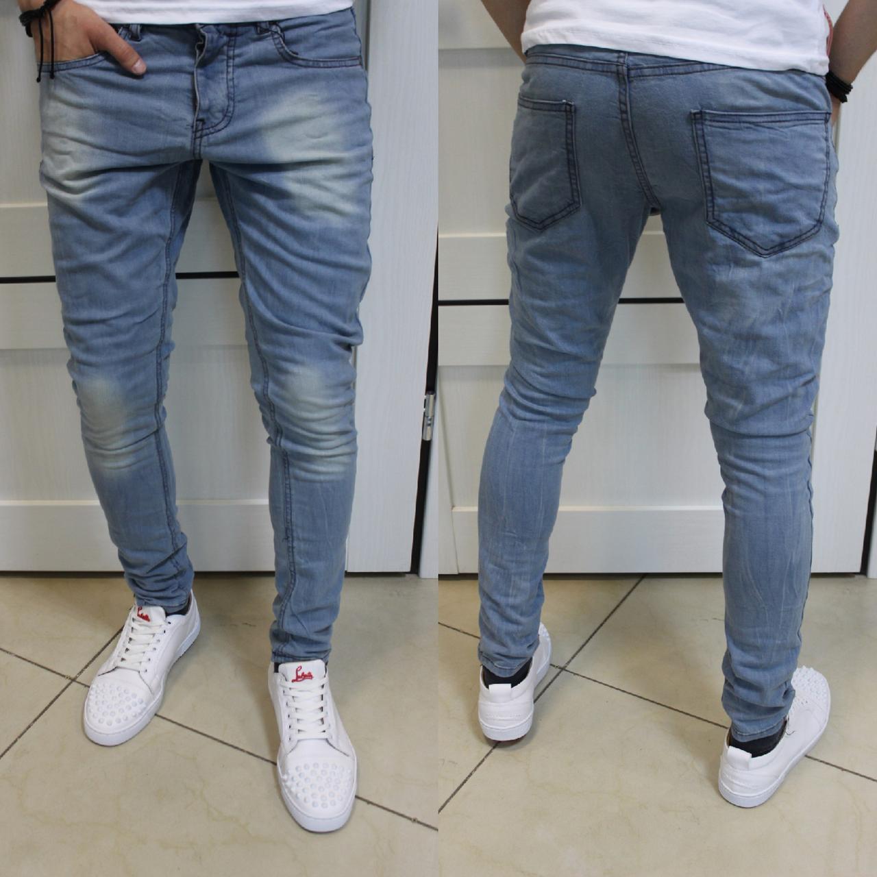 Зауженные светлые оттенки джинсов