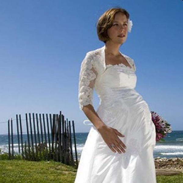 Атласное свадебное платье для беременных с длинными рукавами
