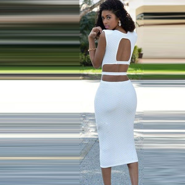 Белое платье-футляр с поясом