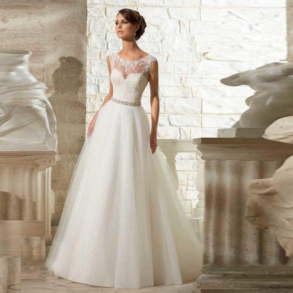 Белое свадебное платье для А-силуэта