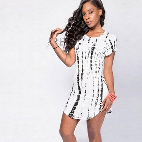 Черно-белое платье-футболка с круглым подолом