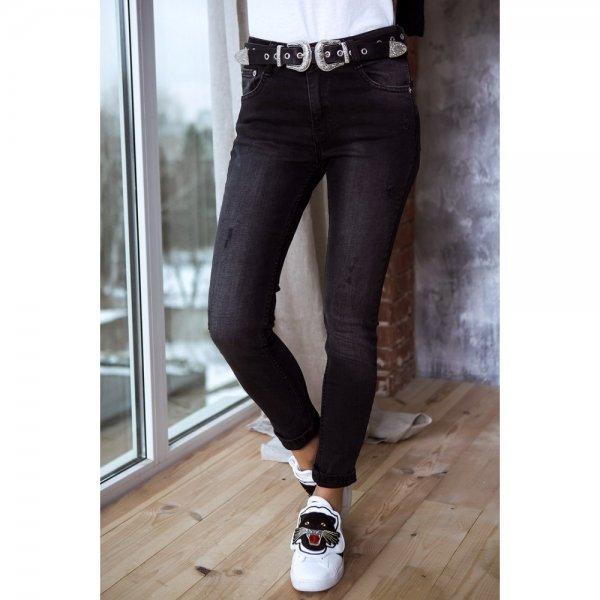 Черный цвет одежды для женщин