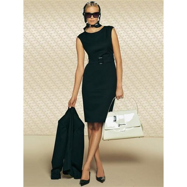Черный цвет платья футляр
