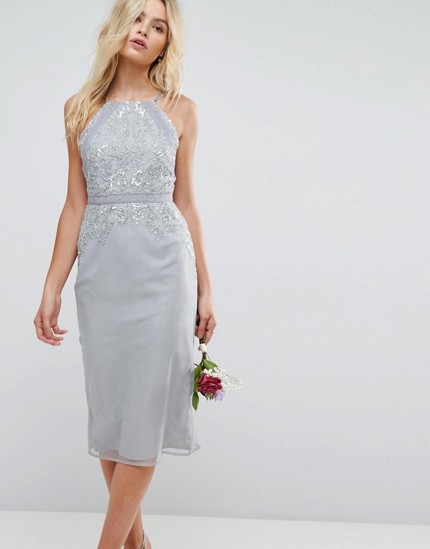 Декорированное платье-футляр