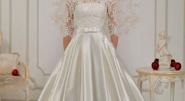 Фото атласного свадебного платья с рукавами
